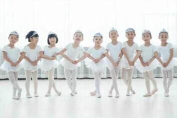 小孩子学习舞蹈好不好